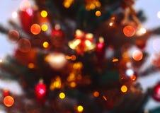 与弄脏的圣诞树背景,发火花,发光 新年快乐和Xmas题材 库存照片