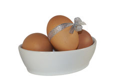 与弓复活节的鸡蛋 库存图片