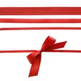 与弓的红色和黑圆点丝带 库存图片