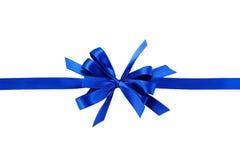 与弓的蓝色礼品丝带 免版税图库摄影