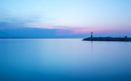 与强烈的颜色的海景日落 长期风险 里米尼adria 库存照片