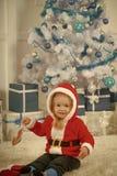 与当前箱子,黑星期五的圣诞老人孩子 库存图片