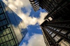 与当代现代办公室的都市风景在伦敦 库存图片