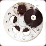 与影片轴的原始的剧院电影戏院35mm卷轴 库存图片