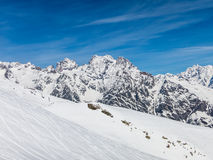 与很多雪的Puy山 图库摄影