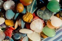 与心形的宝石的爱概念 免版税库存照片