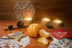 与心脏和蜡烛的新年卡片 库存图片