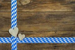 与心脏和巴法力亚丝带的慕尼黑啤酒节背景 免版税库存图片