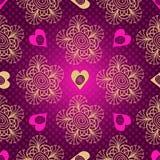 与心脏的华伦泰无缝的被加点的紫色样式 免版税库存图片