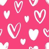 与心脏的手拉的无缝的样式在明亮的桃红色背景 与爱、激情和浪漫史的欢乐背景 库存例证