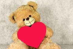 与心脏的熊女用连杉衬裤爱您 免版税库存图片