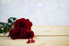 与心脏的玫瑰-华伦泰,婚姻 库存照片