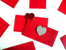 与心脏的空白的红色小包 免版税库存图片