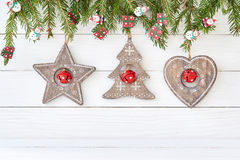 与心脏,星,圣诞树的圣诞节背景 复制空间 免版税图库摄影