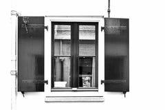 与快门的窗口在荷兰 免版税库存照片