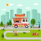 与快餐搬运车的城市风景 库存照片