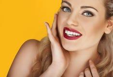 与性感的红色嘴唇的魅力设计 库存照片