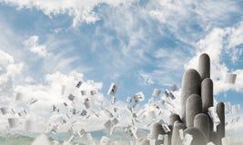 与惊人的风景的多个石专栏 免版税库存照片