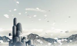 与惊人的风景的多个石专栏 库存图片