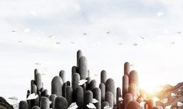 与惊人的风景的多个石专栏 图库摄影
