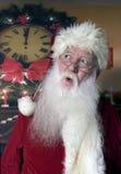 与惊奇的表示的圣诞老人 图库摄影