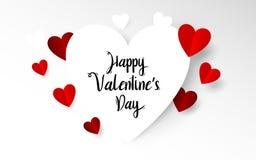 与愉快的情人节印刷术的白色和红色心脏 纸艺术和工艺样式 免版税库存照片