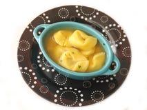 与意大利式饺子的汤 免版税库存图片