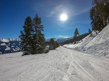与意想不到的天气的滑雪地区 库存图片