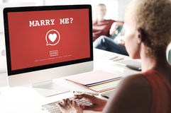 与我结婚?华伦泰拉丁文的心脏爱激情概念 免版税库存照片