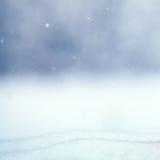 与户外雪的冬天背景 免版税库存图片