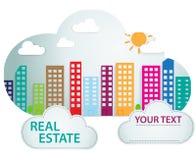 与房地产的横幅在云彩形状 免版税库存照片