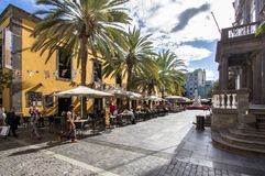 与房子的都市风景在拉斯帕尔马斯,大加那利岛,西班牙 库存图片