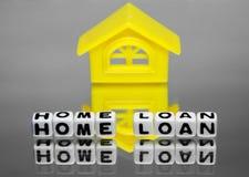 与房子设计的房屋贷款  免版税图库摄影
