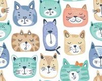 与手拉的五颜六色的猫面孔的传染媒介无缝的样式 库存例证