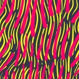 与手拉的冲程的抽象无缝的五颜六色的样式 免版税库存照片