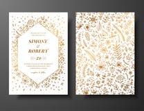 与手拉的枝杈、花和brahches的金黄传染媒介婚礼邀请 婚姻的金黄植物的模板 免版税图库摄影