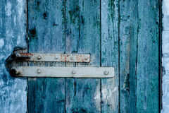 与抓痕和镇压的木纹理 库存图片