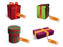 与折扣标记的圣诞节礼物 免版税图库摄影