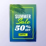 与折扣海报设计的夏天销售 库存照片