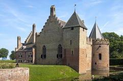 与护城河的古老城堡Radboud在梅登布利克 库存图片