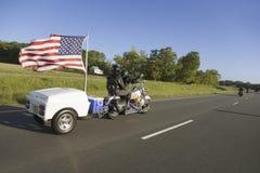 与拖车的摩托车 免版税库存照片