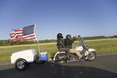 与拖车的摩托车 库存照片