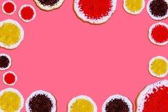 与拷贝空间的花梢曲奇饼模板菜单、广告、产品装饰或者礼品券的 库存图片
