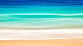 与拷贝空间,长的曝光,迷离行动蓝色抽象葡萄酒的空的海和海滩艺术背景设色了梯度背景 免版税库存照片