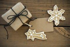 与拷贝空间和圣诞节装饰的布朗横幅 库存照片