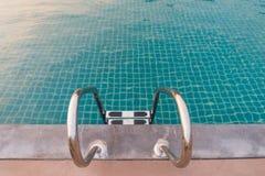 与拷贝空间的游泳池 库存照片