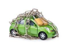 与挂锁和链子的车安全 库存图片