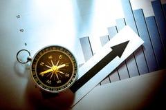 与指南针和箭头的图概念 图库摄影