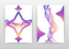 与挥动的线的紫色几何星元素为年终报告,小册子,飞行物,海报设计 挥动的线构造背景 免版税库存图片