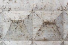 与损坏的和被抓的表面的灰色混凝土墙纹理 抽象背景 免版税库存照片
